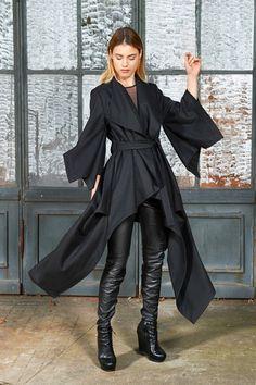 51 Oversized Wool Coat Outfit and Boots for Winter Casual Fashion. Moda Cyberpunk, Cyberpunk Clothes, Cyberpunk Fashion, Traje Jedi, Disfraz Star Wars, Asymmetrical Coat, Kimono Coat, Poncho Coat, Black Kimono
