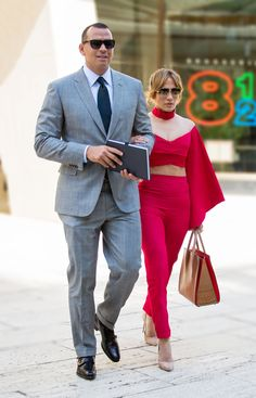 Drake Who? Jennifer Lopez and Alex Rodriguez Redefine Chic Conscious Coupling Celebrity Couples, Celebrity Dresses, Celebrity Style, Celebrity Crush, Jennifer Lopez, Alex Rodriguez, Fashion Couple, Sharp Dressed Man, Nice Dresses