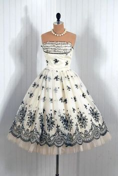 Vintage Dresses From The 40s  50s!