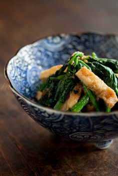 Photo: Sauteed Spinach and Tofu Aburaage with Soy Sauce, a Japanese Quick Side-Dish|ほうれん草と油揚げの醤油麹炒めレシピ