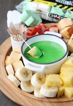 14 Comforting Recipes That Make Fondue Parties a Thing Fondue Recipes: 14 Fun Ideas to Make Your Fondue Party a Thing — Ghostbusters Theme, Ghostbusters Birthday Party, Holiday Treats, Halloween Treats, Halloween Party, Fondue Recipes, Fondue Ideas, Cake Recipes, Fondue Party