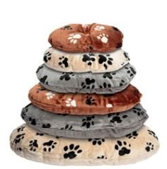 Check your pet store's freebies and discounts –These days, pet stores provide different sorts of offers and discounts. Some stores provide extra products for free, if you purchase bulk pet supplies from them. One among the best way to cut down your expenses is to buy clearance pet food UK. These pet foods will be supplied at discounted prices.