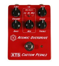 In search for a extra overdrive pedal. This is candidate Anyone tested it? Guitar Rig, Guitar Pedals, Cool Guitar, Goodies, Boxes, Action, Search, Sweet Like Candy, Crates