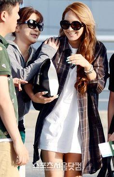 2NE1 CL & Park Bom @ Incheon Airport