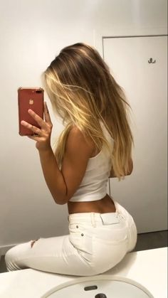 Watch and share Alexis Ren GIFs on Gfycat Superenge Jeans, Blue Ripped Jeans, Sexy Jeans, Alexis Ren Hair, Cheap Jeans For Women, Sexy Outfits, Fashion Outfits, Hollywood Hair, Brown Blonde Hair