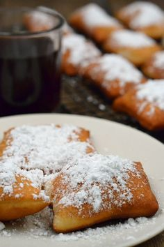 This easy hack for making homemade beignets will have you eating powered sugary goodness in minutes - no waiting for dough to rise! Beignet Recipe No Yeast, Beignets Recipe Easy, Fried Dough Recipe Without Yeast, Donut Recipes, Brunch Recipes, Dessert Recipes, Cooking Recipes, Frugal Recipes, Just Desserts