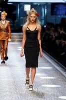 Video e foto dalla passerella del Fashion Show Dolce & Gabbana, Collezione Donna Autunno/Inverno 2017-18. Guarda la sfilata su Dolcegabbana.it.