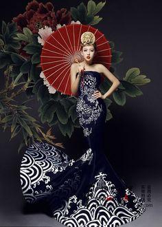 Азиатский стиль в одежде. Асимметричный крой, хитросплетение пуговиц и петель, воротник-стойка.