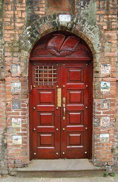 Red doors # 752 in Costa Rica