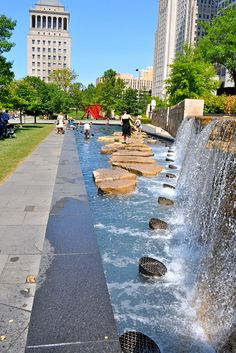 City garden, St. Louis engagement photos so many great places