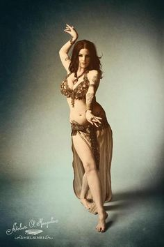 Love her pose, costume, make-up....everything!    Alli Ruth #belly dance