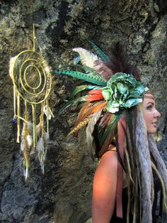 Tribal Priestess Headdress by IntergalacticApparel on Etsy Halloween Makeup, Halloween Costumes, Halloween 2014, Cosplay Costumes, Indian Costumes, Bird Costume, Feather Headdress, Cowboys And Indians, Indian Party