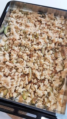 süß – sauer – saftig -> eine geniale Kombination 🙂 Besonders im Herbst einer meiner Lieblings-Blechkuchen, da hier die Zwetschgen Saison haben. Snack Recipes, Snacks, Food, Sheet Cakes, Autumn, Pies, Bakken, Snack Mix Recipes, Appetizer Recipes