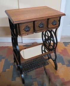 Second 3-drawer. Sewing Machine Drawers, Sewing Machine Tables, Treadle Sewing Machines, Antique Sewing Machines, Sewing Table, Repurposed Items, Repurposed Furniture, Vintage Furniture, Furniture Projects