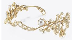 OLD TIARA GOLD, DIAMONDS AND PEARLS BAROQUE NATURAL  formed of two flowering branches with vine leaves in rose cut diamonds and diamond old, baroque pearls with flower petals in a rose diamond, took the middle ground of roses in the diamond, the two removable side and probably used with additional frames no longer available, early 1900, within original box red leather embossed in gold