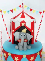 Dumbo Circus Christening Cake - Cakes by Natalie Porter - Hertfordshire and Essex Carnival Cakes, Circus Cakes, Carnival Themed Party, Carnival Birthday Parties, Circus Birthday, Circus Party, Circus Wedding, Carnival Costumes, 1st Birthday Cakes