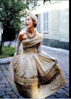Model wearing Dior's 'Soirée de Lahore' dress, Paris 1955. Photo by Mark Shaw.