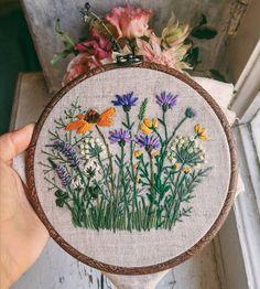 """614 curtidas, 24 comentários - Embroidery / Вышивка (@nadiagarutt) no Instagram: """"Не успела новую довышить, но и старые вроде ничего для ленты Если кто не видел, в предыдущем…"""""""
