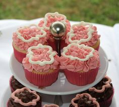 phi mu | sorority sugar Sorority Life, Sorority Sugar, Sorority Recruitment, Vanilla Cupcakes, Pink Cupcakes, Phi Mu Crafts, Pink Frosting, Parchment Paper, Delta Gamma