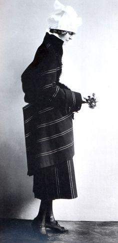 eduard josef wimmer-wisgrill dress, madame d'ora, c1920.