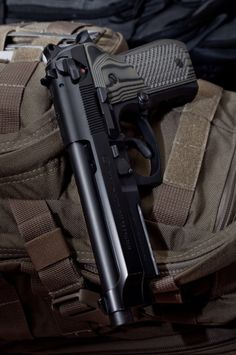 M9 with nice grips :D Find our speedloader now! http://www.amazon.com/shops/raeind