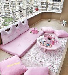Balkon – Home Decoration Pink Bedroom Decor, Pink Bedrooms, Plants With Pink Flowers, Estilo Shabby Chic, Kitchen Organisation, Balcony Design, Balcony Garden, Toddler Bed, Living Room