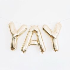 (Oxford Proper) YAY gold balloons - perfect for a bridal shower or bachelorette party!YAY gold balloons - perfect for a bridal shower or bachelorette party! Silvester Diy, Et Wallpaper, Riley Matthews, A Little Party, Gold Balloons, Letter Balloons, Balloon Words, Girl Meets World, Cat Valentine