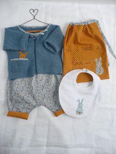 pack naissance: brassière+bloomer liberty+bavoir+pochon : Autres bébé par sylvie-made-it