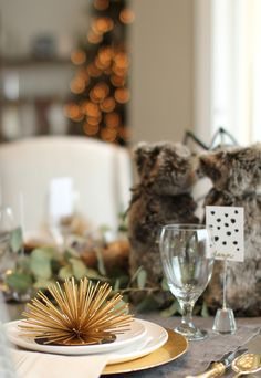 Holiday tablescape | Akin Design Studio | Texture and pattern