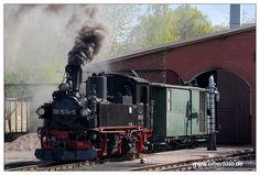 Photo: Mit diesem Foto wünsche ich euch einen guten Rutsch ins Jahr 2017 und auch im kommenden Jahr immer genug Dampf im Kessel! Mügeln - 02.05.2015  #Olherfoto #Schmalspurbahn #Dampflok #Dampfzug