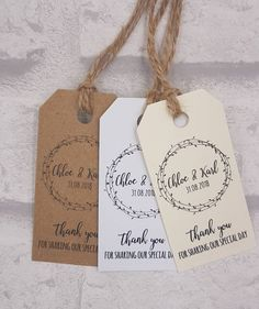 Wedding favor ideas + inspiration to help you ditch the favors guests will toss and give them something unique that they'll want to keep! Cute favor ideas, sustainable wedding favors, food favors, DIY wedding favors and other favors that guests will love! Wedding Favor Labels, Creative Wedding Favors, Inexpensive Wedding Favors, Rustic Wedding Favors, Beach Wedding Favors, Wedding Favors For Guests, Wedding Favor Tags, Wedding Crafts, Wedding Invitations