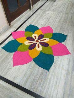 Try these Easy-peasy n stylish Rangoli to decorate your Doors, Staircase n Alleys. Easy Rangoli Designs Diwali, Rangoli Simple, Indian Rangoli Designs, Rangoli Designs Latest, Simple Rangoli Designs Images, Rangoli Designs Flower, Free Hand Rangoli Design, Rangoli Border Designs, Rangoli Patterns