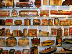 British Biscuit Tins - Collector's Discoveries