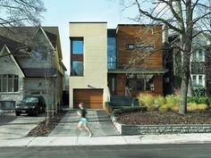 Modern home by Toronto architects Superkul