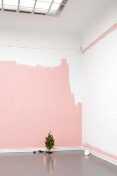 Een moodboard vol inspiratie voor een pretty in pink interieur. Roze is niet alleen meisjesachtig, deze inspiratie beelden geven je een heel ander idee