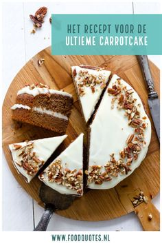 Zucchini cake with pine nuts - Clean Eating Snacks Healthy Pie Recipes, Sweet Recipes, Cake Recipes, Vanilla Sheet Cakes, Piece Of Cakes, Savoury Cake, Clean Eating Snacks, Love Food, Cupcake Cakes