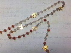 20cm de chaîne façon rosaire en perles de calcédoine multicolores, étoiles et fil en or 24K : Chaines, chainettes par liliperles-974