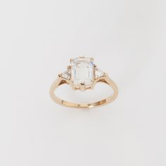 Anna Sheffield - Moonstone Bea 14K Yellow Gold