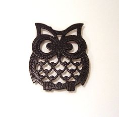 I used to have these... wish i still did!!! Cast Iron Owl Trivet Vintage Kitchen Decor by HappyHippieShop, $10.00