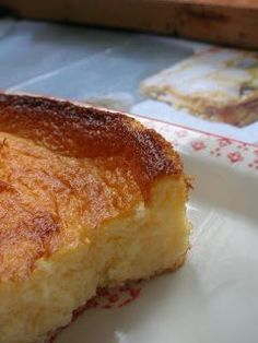 Crustless Cheesecake with hilarious English Translation, sounds pretty good - via The Tierruca Mexican Food Recipes, Sweet Recipes, Cake Recipes, Dessert Recipes, Mini Cakes, Cupcake Cakes, Kitchen Recipes, Cooking Recipes, Delicious Desserts