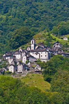 Corippo. Verzasca. Suiza  El pueblo mas pequenio de Suiza (12 habitantes)