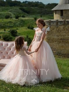 e19f18b4fd2a2 Flower Girl Dress - Birthday Wedding Party Holiday Bridesmaid Communion Lace  Tulle #flowergirldresses #flowergirldress