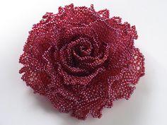 ローズレッドの華やか薔薇ビーズコサージュ