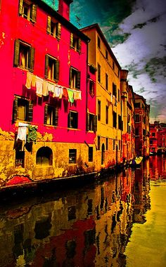 Beautiful #Venice and beautiful colors! We love this picture! #GowithOh http://www.gowithoh.com/vacation-venice-apartments/?sm&utm_source=pinterest&utm_medium=socialmedia&utm_campaign=info