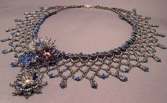 Netted flower necklace by Emarah, via Flickr emerah's photostream