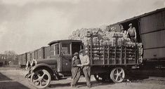 Hot Shot Archives: This photo is of an offload at the Firth Carpet Factory and was sent to us by Robert McCue from his family photo album.