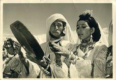 Ahidous (danse berbère - Amazigh), Haut Atlas, Maroc, 1955. (High Atlas Mountain Range, Morocco)