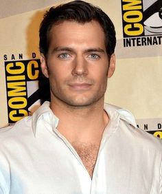 Superman Henry Cavill at ComicCon - Damn this man gets more beautiful everytime I see him. Henry Cavill, Most Beautiful Man, Gorgeous Men, Beautiful People, Love Henry, Gentleman, My Superman, Ideal Man, Handsome Actors