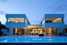 House With Swimming Pool Design Interesting Swimming Pool House Good Swimming Pool Hi Macs House By Karl Dreer And Bembe House Design Villa Design, Modern House Design, Contemporary Design, Houses In Germany, Swimming Pool House, Bauhaus Style, Design Case, Exterior Design, Luxury Homes