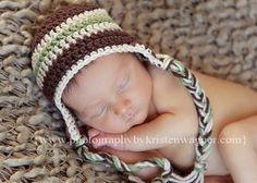 I love making baby earflap hats!  So adorable.